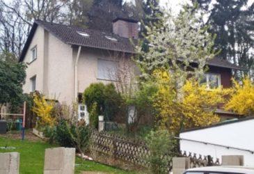 Dieses Haus mit drei Wohnungen auf schönem Grundstück am Waldrand hat Wz-Immobilien zu einem guten Preis verkauft. Die Lage in Iserlohn-Sümmern ist gefragt.verkauft